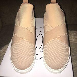 3185937f8fa Steve Madden Laynie Sneakers NWT